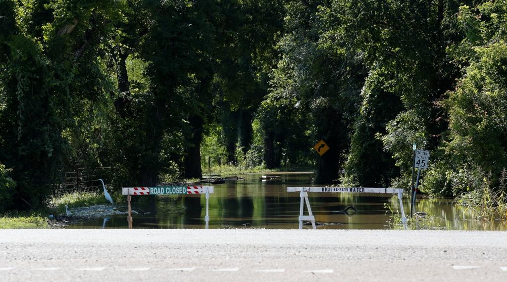 2015 Greenpeace, photo Aaron Sprecher, Encana fracking blowout Karnes Co Texas.2569