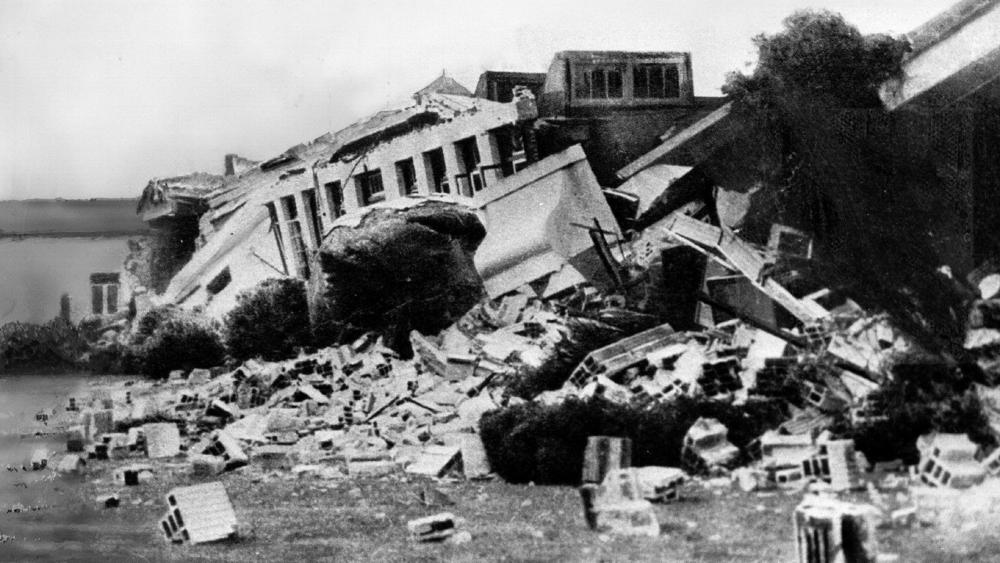 1933-03-10-long-beach-6-4m-earthquake-that-killed-120-people-building-destroyed-usgs-now-thinks-was-caused-by-oil-drilling